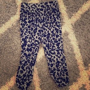 Gray leopard print cropped joggers